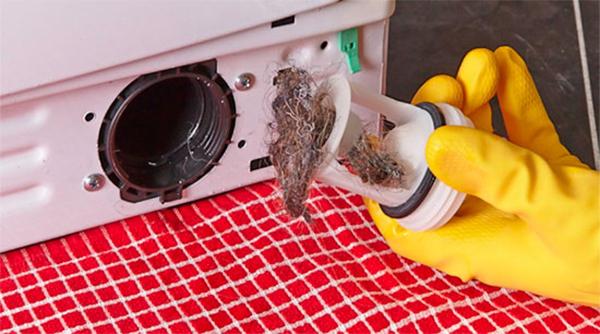 Стиральная машина не сливает